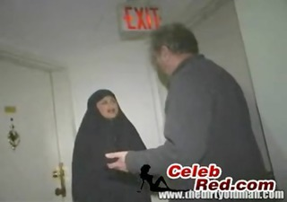 arab wife screwed by an old fellow